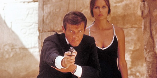 07_the-spy-who-loved-me-pic2-with-roger-moore