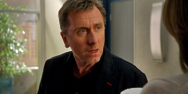 _0002_tim-roth-lie-to-me-pic3