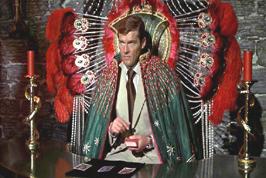 roger-moore-photo-12